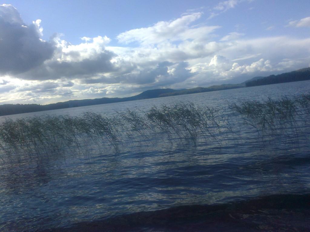 Озеро Тиберкуль, расположенное у подножия Горы Сухая